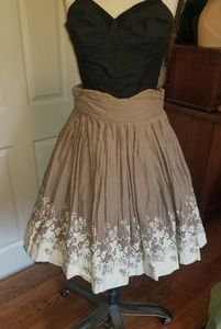 Skater skirt vintage taupe and cream embroidered